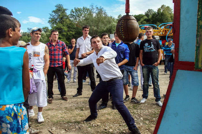 Country Fun Boys Casual Clothing Childhood Country Fun Day Full Length Large Group Of People Men Outdoors People Real People Reportage Sport Standing Togetherness Tree Young Adult This Is Masculinity