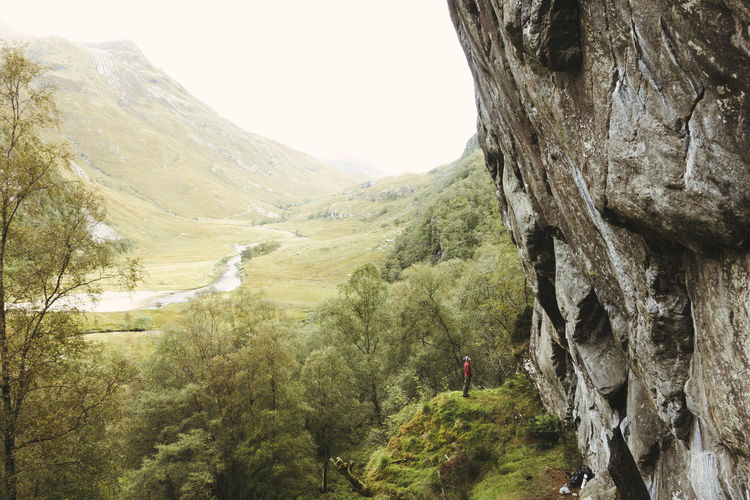 Brave Climb Climber Confidence  Epic Giant Mission Nature Rock Scotland Adventure Beauty In Nature Bravery Challenge Climbing Confident  Dramatic Extreme Sports Intimidating Mountain One Person Outdoors Perserverance Real People Rock Climbing