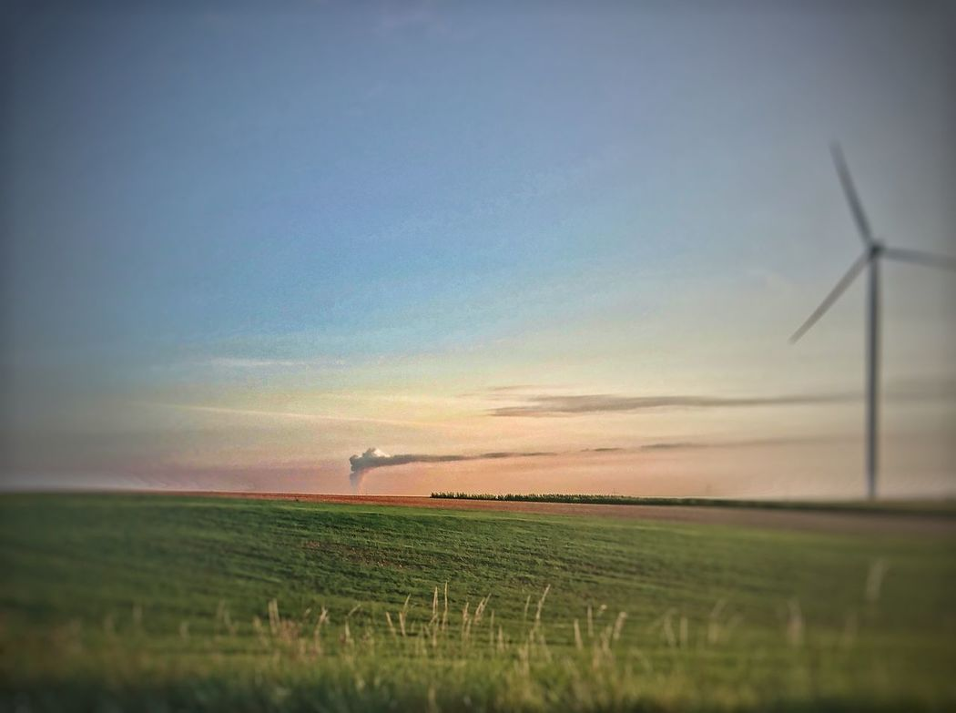 Der Wolkenmacher/ the cloud maker Field Wind Turbine Agriculture Outdoors Power In Nature No People Fotokunst Coal Burning Power Plant Lippendorf Crimmitschau Clouds And Sky Rural Scene Wind Power Crop  Fuel And Power Generation Sunset Alternative Energy Nature Sky Technology Beauty In Nature Electricity  Scenics Landscape Night