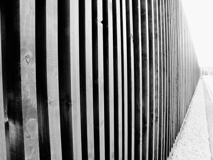 Learn & Shoot: Simplicity Streetphotography Perspective Rows Of Things Patterns Linear Blackandwhite Urbanexploration Urban Geometry Modern Art Black And White Black & White Black&white Blackandwhite Photography
