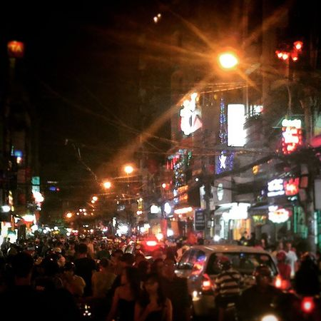 Ho Chi Minh New Years Saigon Hochiminhcity Buivien Newyears Newyearseve Celebrations Crowded Travel Cityliving Livingcity