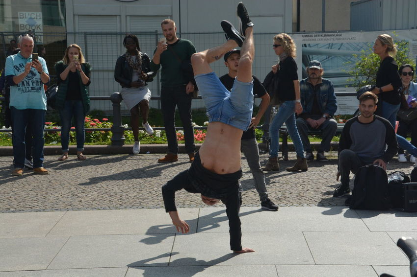 ezefer Business Stories Breakdancing Day Full Length Large Group Of People Lifestyles Men Outdoors People Real People