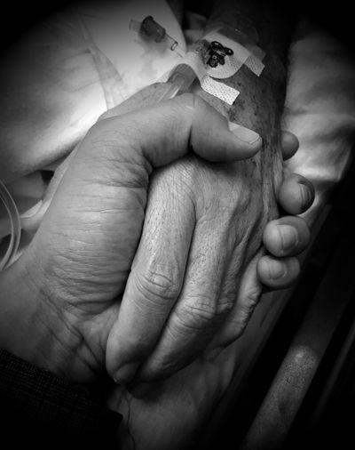 Tu mano y mi