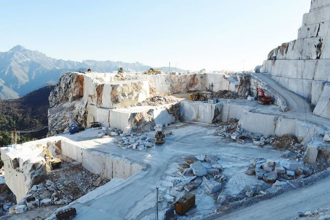 Cold Temperature Ice Rock - Object Winter Snow Nature Outdoors Frozen Mountain Clear Sky Day Landscape Water No People Sky Beauty In Nature Marble Mountains Carrara