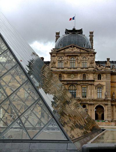 Le Louvre Streamzoofamily Paris ❤ City Building