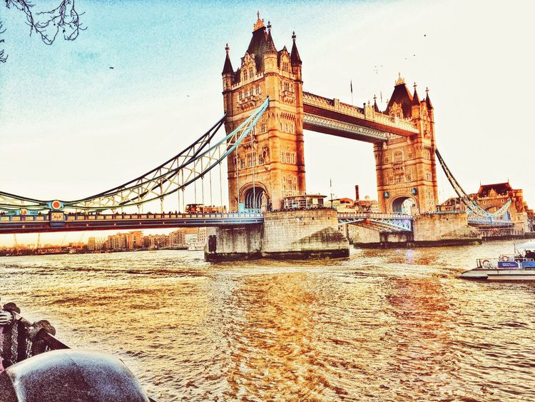 EyeEm LOST IN London London Sight Seeing Tower Bridge  London Tower Bridge Londonlife London City Travel Destinations Travel Photography Destination Destinations Travelphotography Travelling Architecture Tourism Sky Travel Built Structure Postcode Postcards
