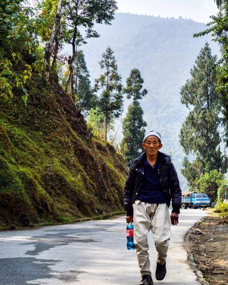 I have strength to surpass the obstacle... Oldman Sikkimdiaries Sikkim Nikond3200 Goexplore Eyeemindia Nikonphotography Ilovephotography Lansdcape Strength WILLPOWER EyeEm Best Shots - Landscape Instalike Followme TBT  Throwbackthursday  Sikkimtourism Indiantourism
