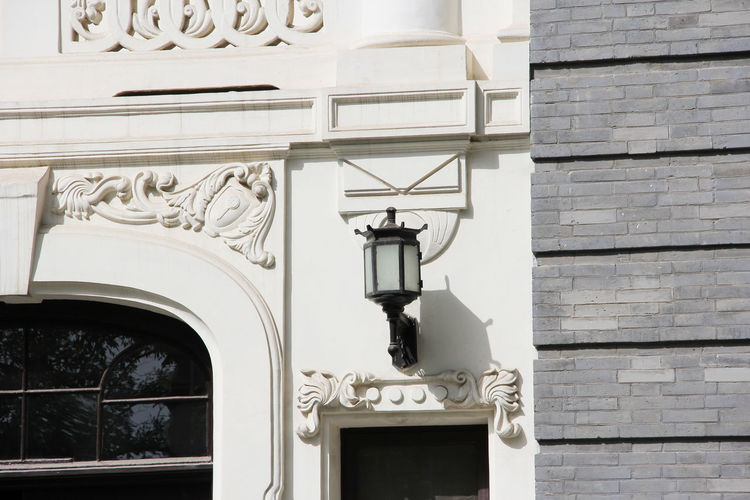 Old Buildings Historic Building Outdoors Electric Lamp White Color Wall - Building Feature History Arch The Past Design Building Lighting Equipment Day No People Building Exterior Built Structure Architecture Lantern