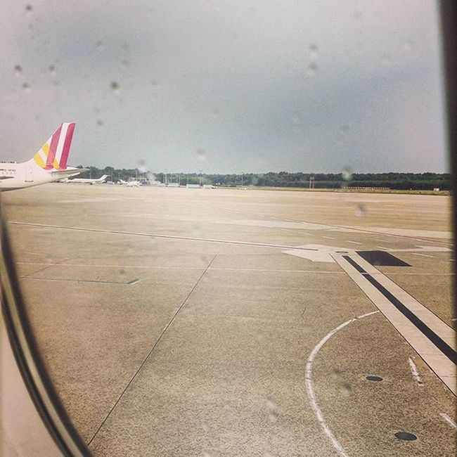 Tatsächlich, jetzt fängt's auch hier in CGN wieder an zu regnen. 😠 ☔ Köln Kolle Cologne Weather WeatherTweet