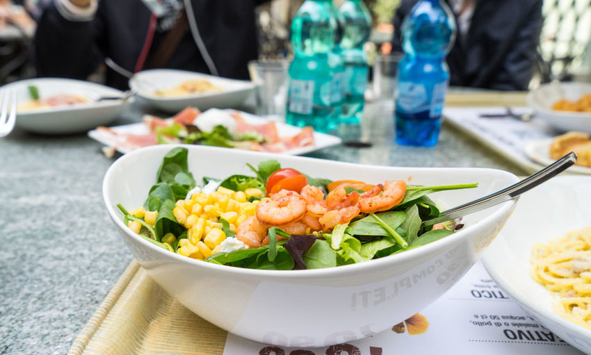 prawn salad with tomato and fresh corn salad Delicious Dinner Healthy Eating Healthy Food Healthy Lifestyle Italy Food  Low Calories Lunch Prawn Salad Reataurant Salad