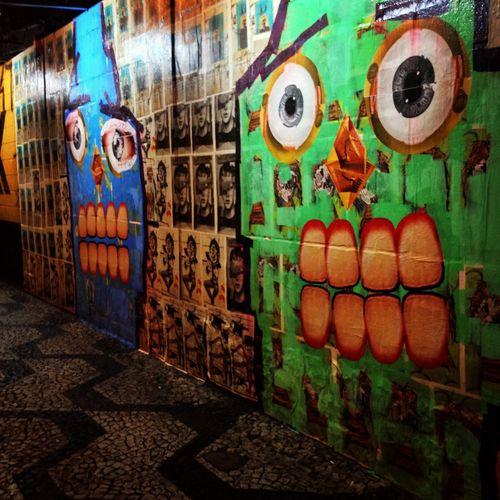 Cenas de São Paulo. Grafite na Rua Araújo, República. Hello World Streetart Saopaulo