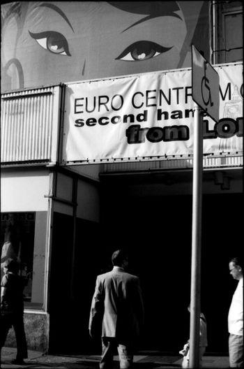 Poznan - Poland / © Aaron Sosa www.aaronsosaphotography.com www.aaronsosablog.com Streetphotography Assignments Photography Taking Photos Light And Shadow Black And White Blackandwhite Film Poland Poznań