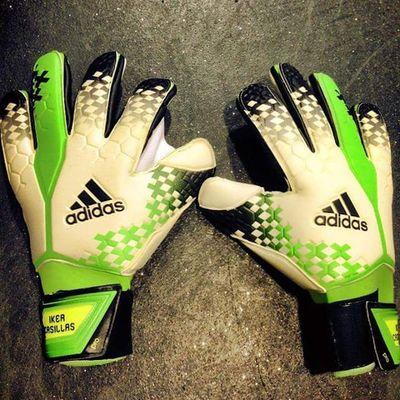 Decima Gloves GraciasIker Casillas Madridista