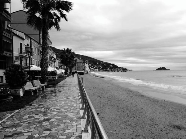 Nexus5photography Nexus5 Biancoenero Bianco E Nero Blackandwhite Photography Black'n'white  Black And White Photography Blackandwhitephotography Blacknwhite Black&white Black & White Bianco&nero Bianconero Black And White Blackandwhite Passeggiata Mare Sea Isola Gallinara