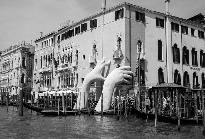 Hands Architecture Architecture_collection Italien Venedig Venezia Art Boat Building Exterior Built Structure Canal Italy Monochrome Museum Palace Sea Seascape Urban Urban Skyline Venice