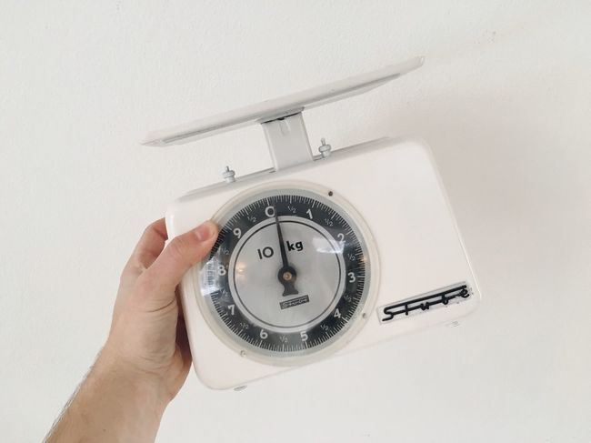 I bought this vintage 60s scale. Vintage Scale  60s
