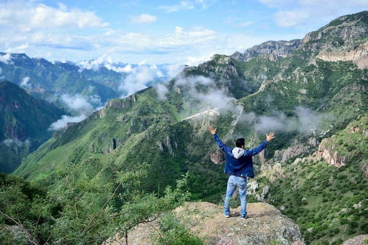 Mountain Nature Blue Hiking Mountain Range Sport Vacations One Person Cloud - Sky Travel Destinations Outdoors Adults Only People Adventure Sportsman Tree Beauty In Nature Sky Adult Young Adult Chihuhua