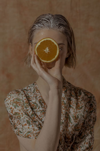 2019's freshest ! 'Citrus Garden' Vitamin C TheWeekOnEyeEM Floral Pattern Orange Orange Color Freshness Real People Healthy Eating Citrus Fruit Food And Drink Magritte Rene Magritte Juicy Holding Fruit Vegan Vegan Food Veganfoodporn