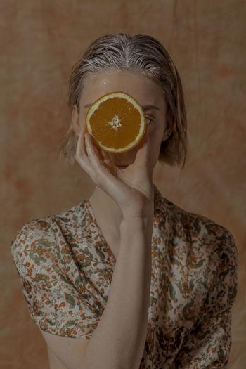 2019's freshest ! 'Citrus Garden' Vitamin C TheWeekOnEyeEM Floral Pattern Orange Orange Color Freshness Real People Healthy Eating Citrus Fruit Food And Drink Magritte Rene Magritte Juicy Holding Fruit Vegan Vegan Food Veganfoodporn