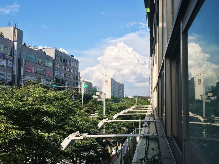 Today 오리나무뜰 Architecture Built Structure Building Exterior Sky City Cloud - Sky The Great Outdoors - 2018 EyeEm Awards Building Nature Office Building Exterior Cityscape Transportation Skyscraper Sunlight No People Day Residential District Plant Tree Modern Outdoors