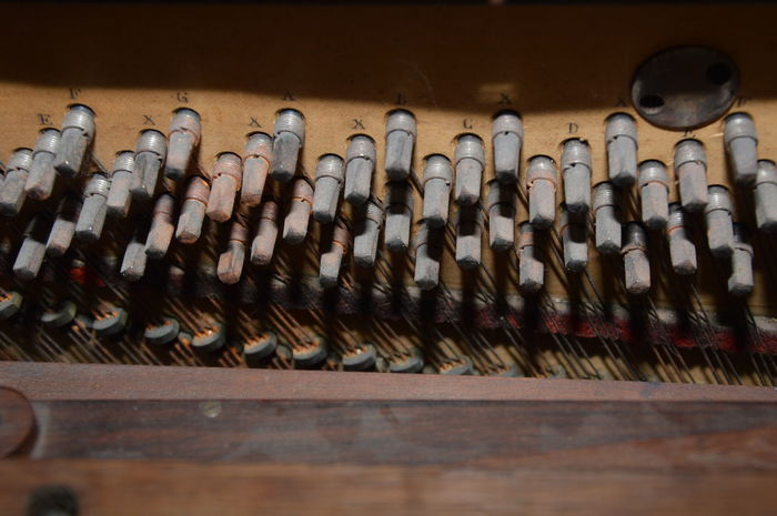 Zoom in old piano Music Piano String Stringed Music Instrument Zoom In Old Piano Antique Harmony Indoors  Music Instrument Music Notes Musical Instrument Musical Instrument String No People Old Old Piano Retro Styled Stinged Stringed Instrument Strings Of Music The Past Wood - Material