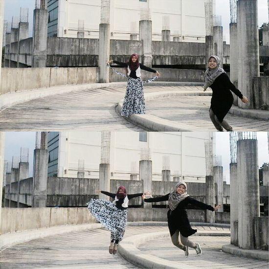 Jump Jumpshot Streetphotography Street Fashion People Happy People Faces Of EyeEm Islam Jumpstreet Relaxing