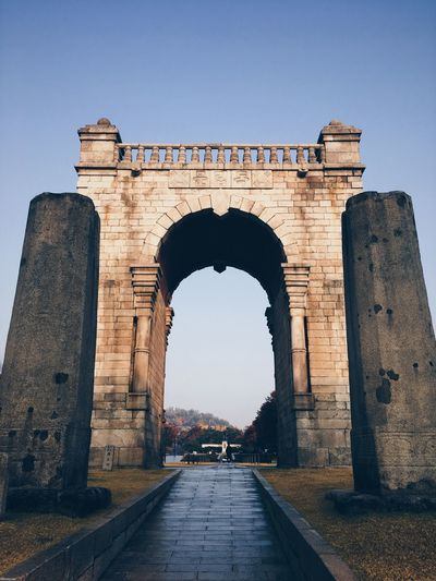 EyeEm Selects Arch History Architecture Built Structure Clear Sky Triumphal Arch Travel Destinations Tourism Monument Outdoors No People