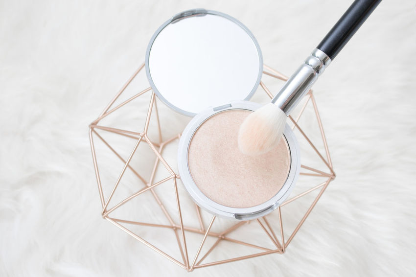 Highlighter with brush Beautiful Blogging Drugstore Glitter Highlighters Lifestyle Makeup Mirror Amazing Blogger Brush Circle Close Up Close-up Directly Above Face Highlights Make-up No People Shape Still Life Storbing Tutorial Up White Background