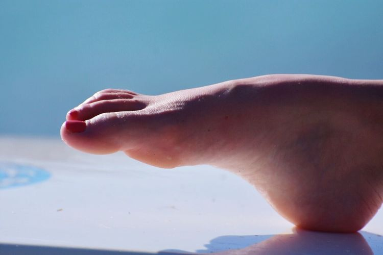 Foot Woman's Feet Real People One Person Human Body Part Lifestyles Close-up Leisure Activity Day Outdoors Water Nature EyeEm Best Shots EyeEm Gallery Getty Images
