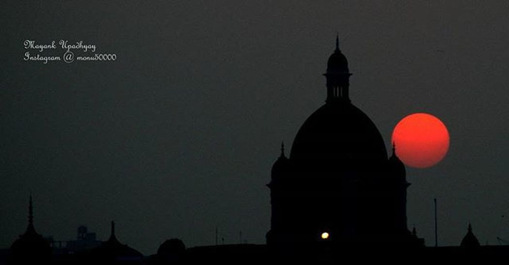 Mumbai.. A place which looks more beautiful as the sun sets.. Mumbai Mumbaibizarre Mymumbai NETGEO Mypixeldiary Instamumbai Sunset Lowlights GMAX Gmaxstudios