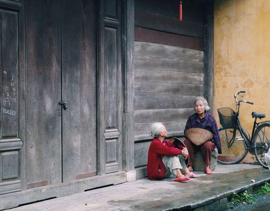 Old friends. Friendship never ends. Friends Friendship Oldfriends Talking Chatting Vietnam Seniors