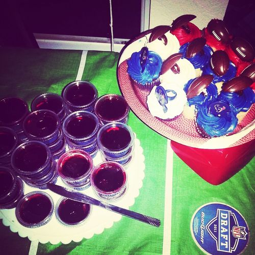 Texas Fans Til We Die Texas Cupcakes And Gang Bang Jello Shots Cupcakes Jello Shots Houston Texans