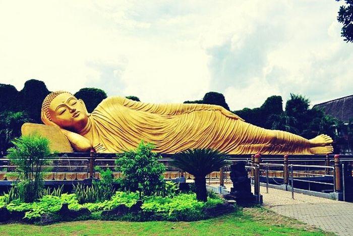 Sleeping Budha Statue Mojokerto Jawatimur INDONESIA