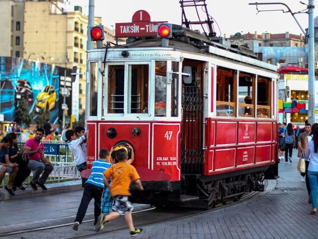 Istanbul Türkiye Günaydın Take Me Back My Travels Taksim Children Playing How I Miss Thee I'll Be Back