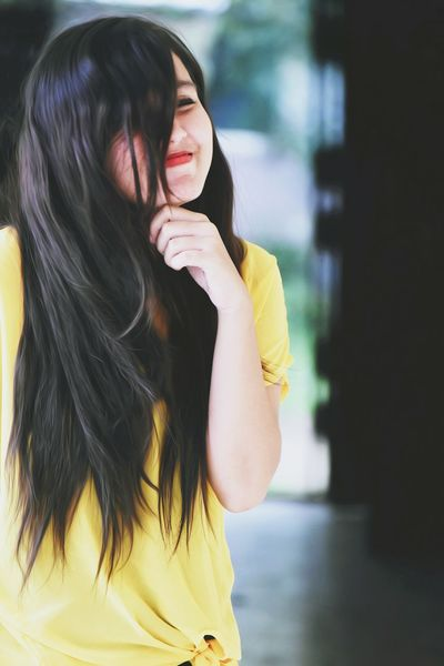 One Person Adult Long Hair Only Women One Woman Only People Young Adult Brown Hair Yellow Black Hair Adults Only Women One Young Woman Only Young Women Day Human Body Part Real People Outdoors Human Hand EyeEmNewHere Carnival Crowds And Details Summer Cheerful Adult Togetherness