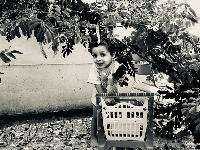 Camouflage Timetoplay Smile Babyboy Lovely Happy Garden Photography Camouflage IPhoneX Love Goodmorning :) Inspirational Real People Childhood Child One Person Day Lifestyles Portrait Leisure Activity Innocence Cute Looking