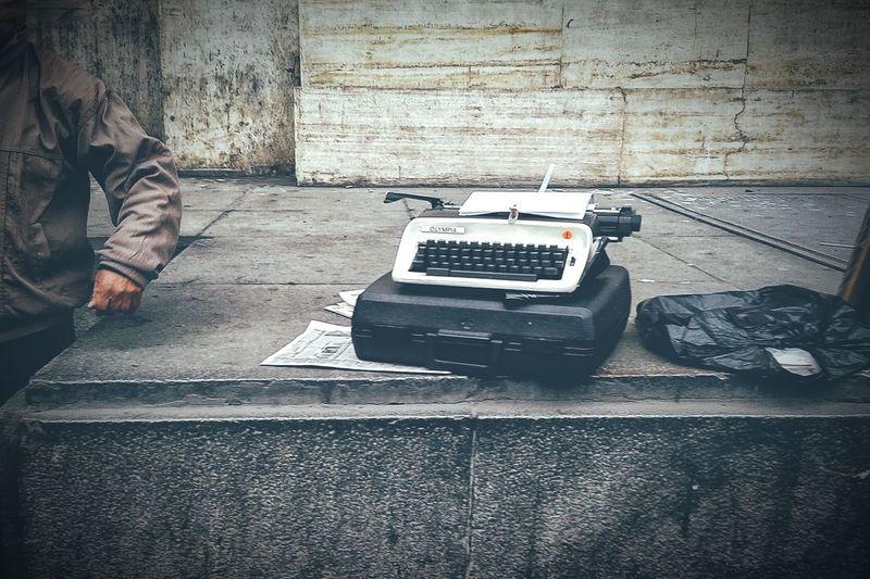 Machine VSCO Streetphotography Limaperu Low Section Close-up Typewriter Machine Keyboard Analog Analogue Sound