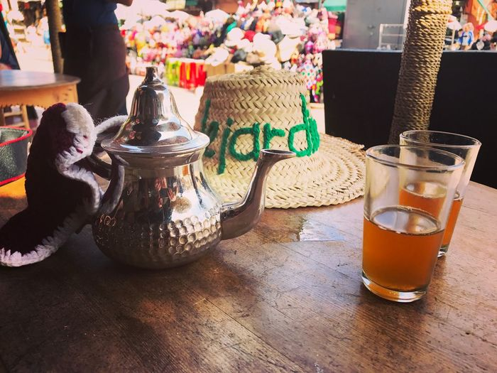 Thé à La Menthe The Marrakech Morocco Table Still Life No People Drink Food And Drink Household Equipment Refreshment Choice Creativity Variation Indoors  Day Decoration Art And Craft Container Drinking Glass Glass Craft Toy Representation
