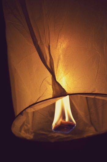 Light Up the night ! Firelanterns Orange Fire Fireinthesky