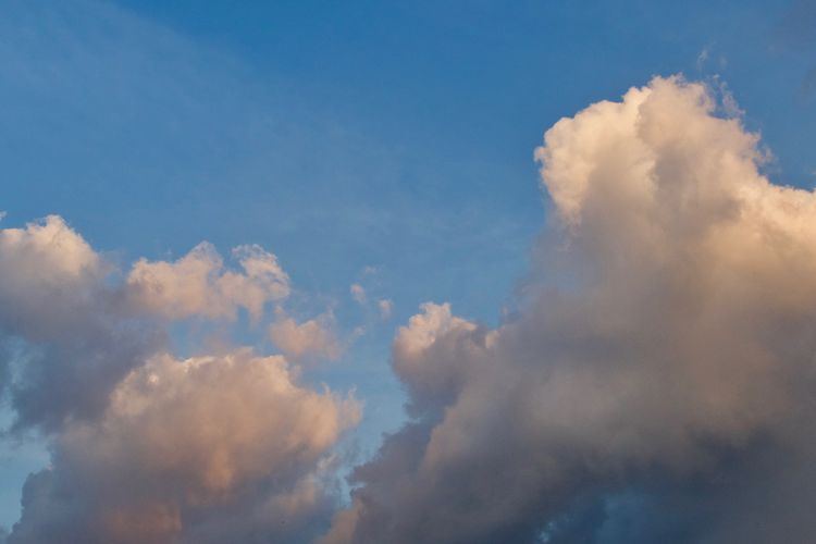 Cloud - Sky Sky Beauty In Nature Scenics - Nature Nature No People Cloudscape Tranquility Day Outdoors Low Angle View Idyllic Backgrounds Fluffy Wind Blue Tranquil Scene Meteorology Wallpaper Background Sky And Clouds
