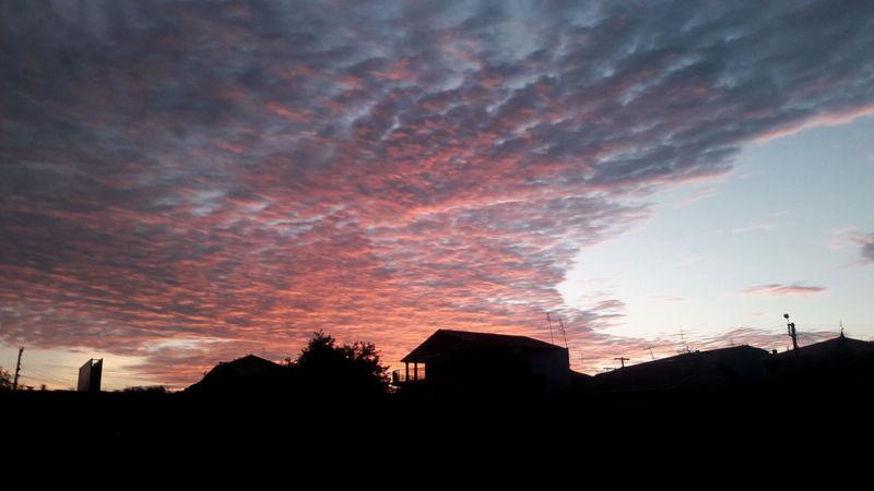 Sunrise Sky Sky And Clouds Clouds Popularpic Eyeemselects Popularpictures Popular Photos Popular EyeEm Gallery Smartphonephotography Galaxys7 EyeEm Best Shots No People Urbam Travelphotography Brazil Summer Summertime