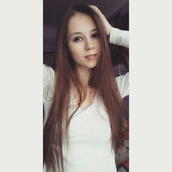 Hi✌ Czech Girl Long Hair Brunette