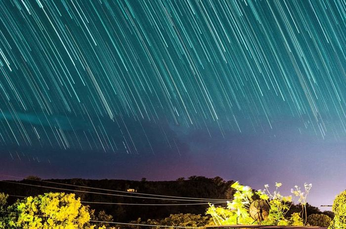 I dont personally specialise in anything specific, i try to be as versatile as posible to open even moree doors in this very competitive carreer. Astrophotography Startrails Landscape Lowlight Stars Long Exposure Puerto Rico Photography Allaround Photographer Nikon D5100