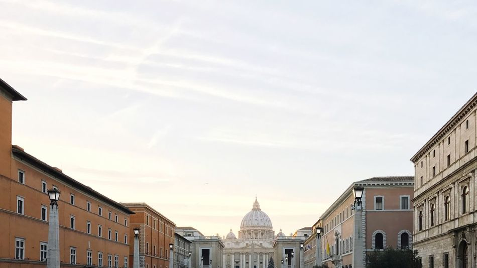 Vatican Vatican City St. Peter's Basilica Rome Travel Destinations Building Exterior Architecture Built Structure Sky City No People Outdoors Day Place Of Worship