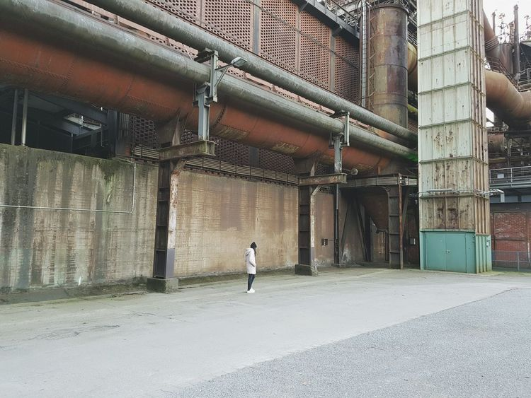 Me One Person Walking Built Structure Full Length Industry Architecture Adapted To The City Rusty Faded Strolling Lines Winter Abondoned Factory Steelwork Steel Thoughtful Workers Pipeline Vintage Cold Day Full Frame Facades Building Exterior The Architect - 2017 EyeEm Awards Stories From The City