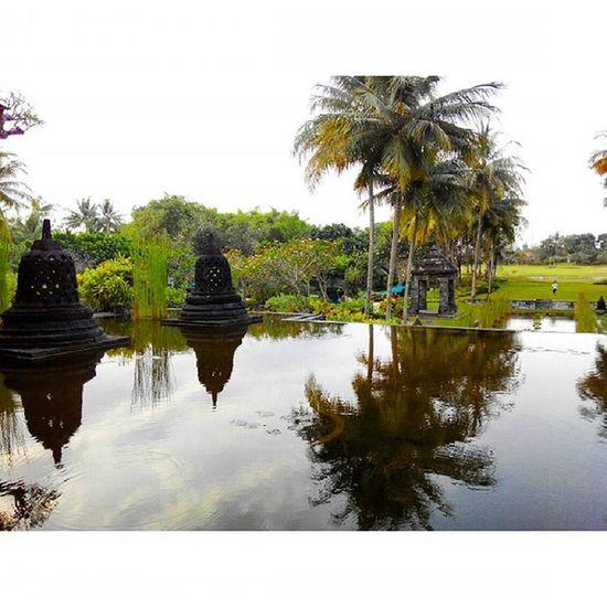 Stupa berair... Thebeautyofindonesia Trip to Jogja Istimewa Lenovotography Pocketphotography Photostory Lzybstrd Journey