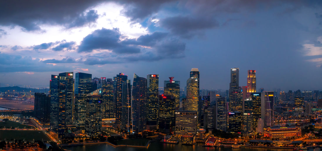 ASIA Architecture Busy Center City Cityscape Dramatic Sky Life Night Photography Singapore Building Citylights Hub Moody Night Nightcity Skyscape Tall - High