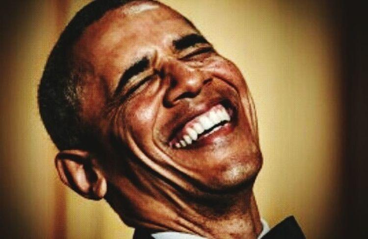 """TIEMBLA EL IMPERIO! Delcy Rodriguez: """"Someteremos a revisión integral las relaciones con EE UU"""" Mar 4, 2016 @ 6:00 pm La Canciller de Venezuela, Delcy Rodríguez, se pronunció este viernes sobre la extensión de las sanciones impuestas por Estados Unidos a Venezuela. Rodríguez leyó un comunicado en rueda de prensa donde expresó su repudio a esta acción del gobierno de Barack Obama que calificó de """"doble rasero"""". Aseguró que esta sanción incita de alguna forma a la oposición venezolana que trabaja para finalizar anticipadamente el régimen de Nicolás Maduro debido a la crisis económica. """"Se ha desplegado una ofensiva desmedida en contra de los países progresistas y revolucionarios de la región… Con Venezuela han usado métodos de guerras no convencionales, linchamiento financiero, como ocurre con la guerra económica"""", dijo la funcionaria sin mencionar los casos de violaciones de Derechos Humanos que han denunciado desde Venezuela. El pasado jueves el presidente estadounidense, Barack Obama, anunció la continuidad durante otro año de estas sanciones impuestas al país por erosionar las garantías de los DD.HH. Venezuelacambia LosVenezolanosPuedenVivirMejor Venezuelaunida Woiworld_resto Fuente:NTN24 Venezuela"""