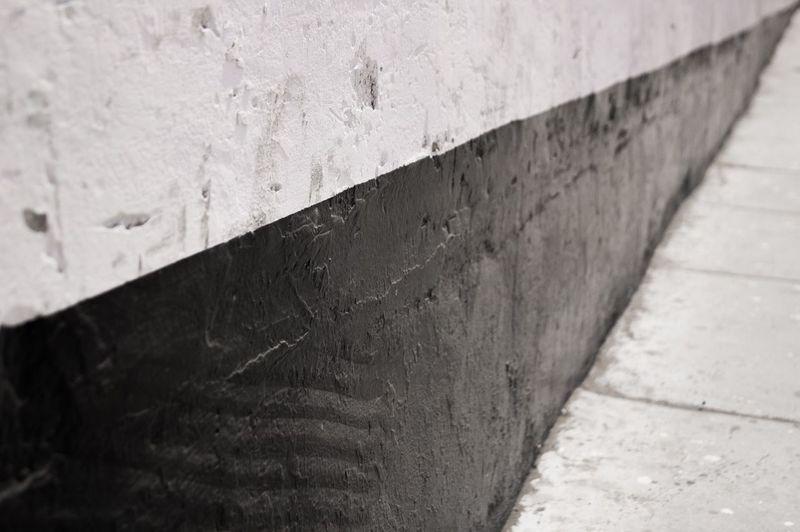 Systematic Schwarz & Weiß Schwarzweiß Gehweg Architektur Diagonal Lines Diagonal Straight Lines Lines monochrome photography Monochrome Harmony Sidewalk Photograhy Sidewalk No People Streetphotography Street City Street City Peru Traveling Peru Black Wall Wall Blackandwhite Photography Blackandwhite Black And White