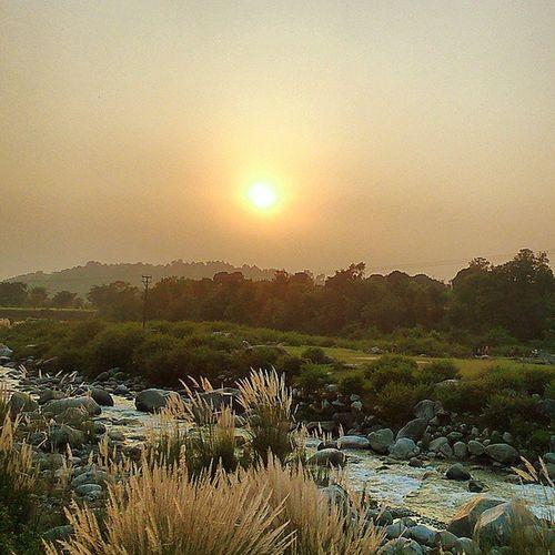Sunrays Sunset Alongtheroad Water Silhoute Theworldgram Dusk Evening Himachalpictures Nature Bestescapes Shutterbug